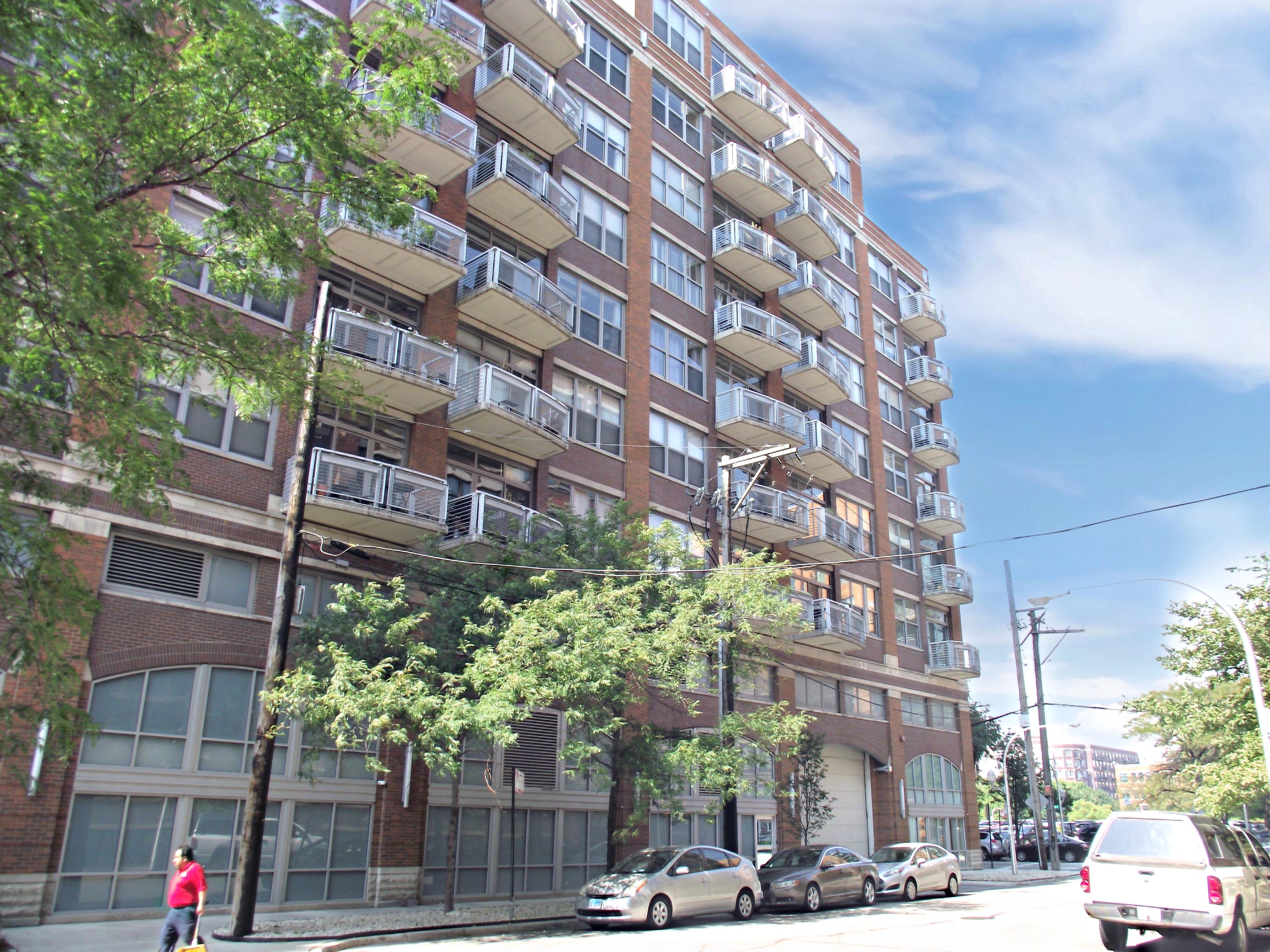 933 W. Van Buren Chicago IL