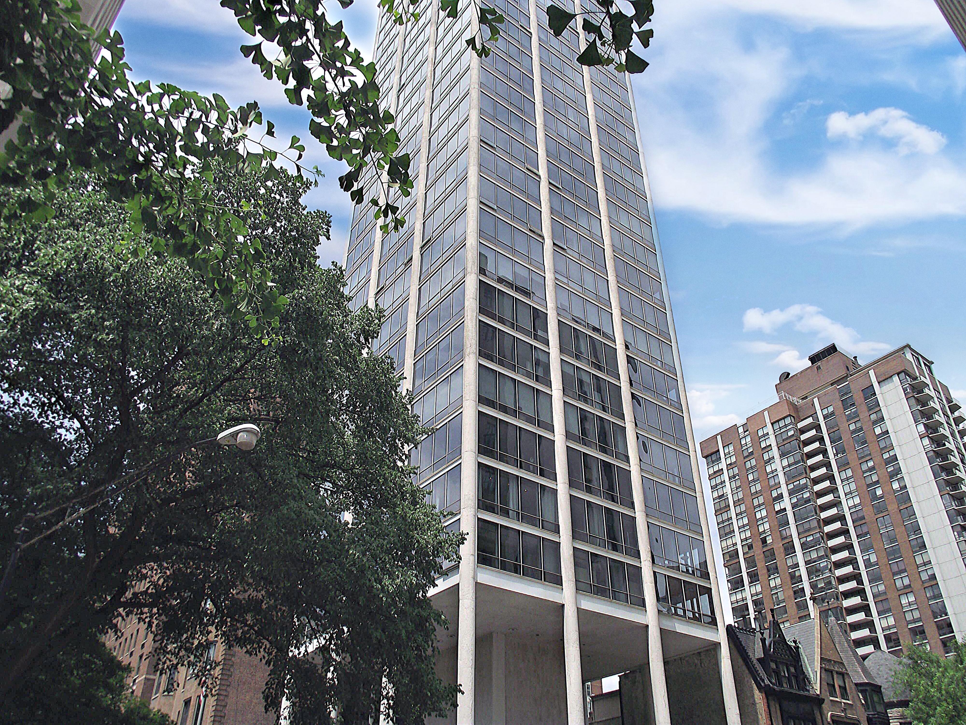 Astor Tower Chicago Condos