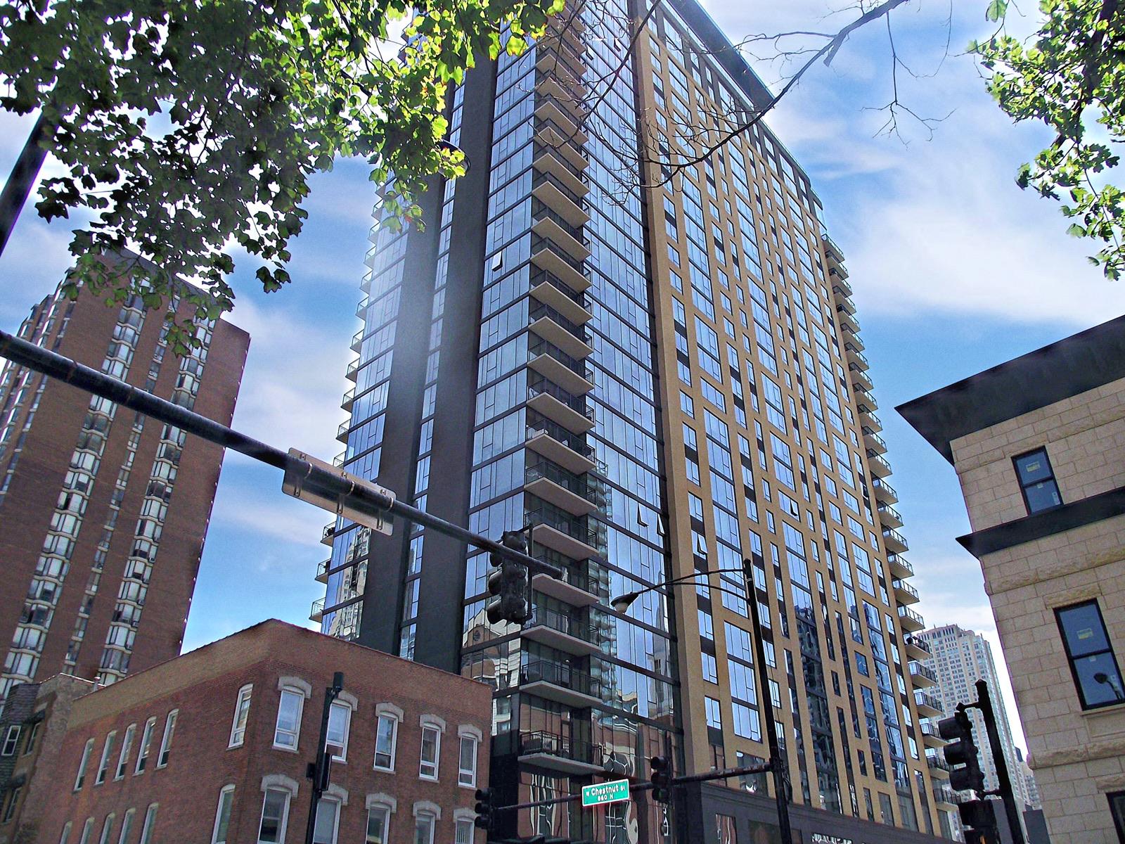 Aurelien Chicago Apartments