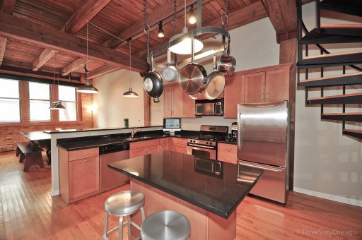 Lincoln park lofts for sale for Industrial loft for rent chicago